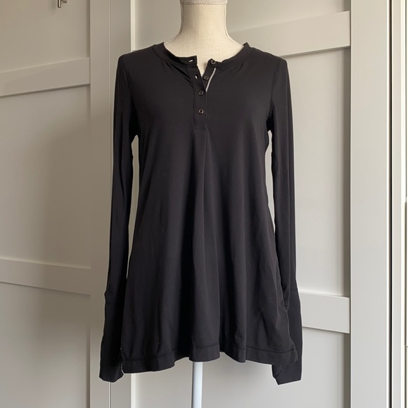 Lululemon - Long Sleeve Top, 3/4 Buttons